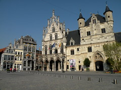 Stadhuis van Mechelen (twiga_swala) Tags: old city buildings square town hall place belgium belgique market belgi grand belgian markt rathaus altstadt flemish mechelen stad stadhuis flanders hteldeville grote malines vlaanderen flandre malinas mechlin