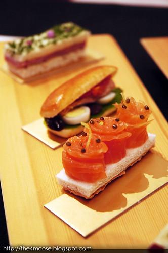 Le Salon De Thé de Joël Robuchon - Norwegian Smoked Salmon and Caviar Sandwich