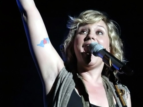 Song of the Year to Sugarland's Jennifer Nettles at the 2008 CMA Awards. Jennifer Nettles by gwashburn355. That tattoo looks familiar.