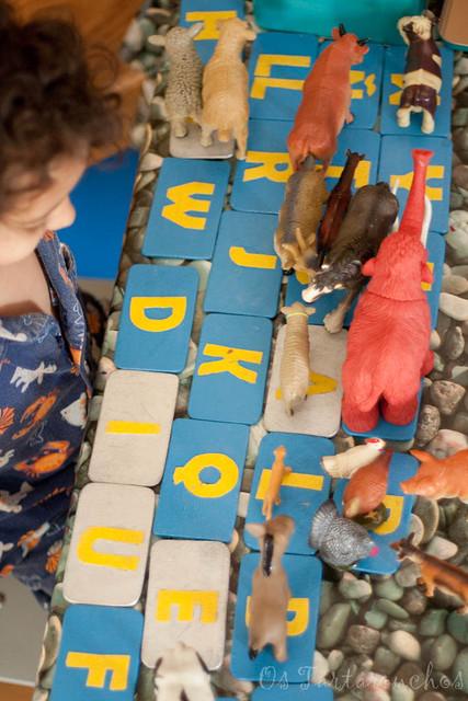 Xogar con letras e animais