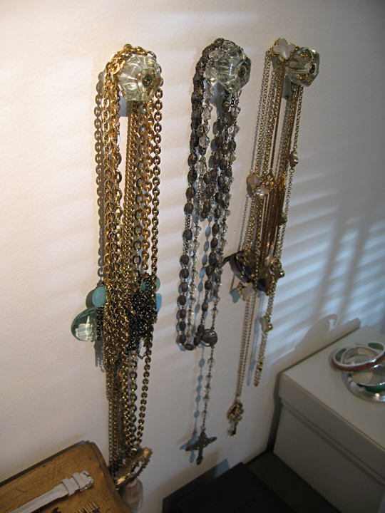 glass drawer pulls holding necklaces+organizing ideas