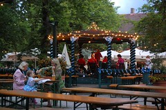 Beer, Jazz, and Family Dining at the Wa-Wi