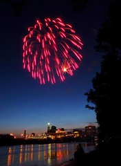 107 (johnjmurphyiii) Tags: summer usa night fireworks connecticut riverfest hartford connecticutriver pyrotechnics easthartford 06103 johnjmurphyiii