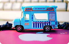 Ice-cream Van (Chel.) Tags: pink blue macro cute apple car nikon bokeh icecream van matchbox tomica d3000