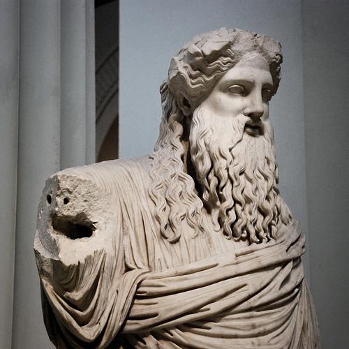 El insolente hombro de Dioniso