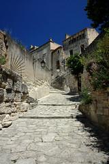 Les-Baux-de-Provence (Andrea Schaffer) Tags: summer france july cobblestone provence favourite 2010  provenza lesbauxdeprovence canonefs1755mmf28isusm canon450d canonefs1755mmf28usm