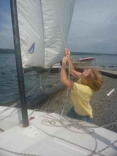 Jennifer lifts sail