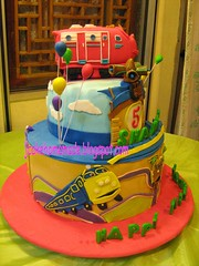 Chuggington Theme cake (Jcakehomemade) Tags: wilson brewster koko emery zephie 3dcake boybirthdaycake custommadecake chuggington cartooncharactercake childrenbirthdaycake tvcharactercake jcakehomemade actionchugger chuggingtonthemebirthdaycake