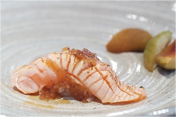 逸鮮棧-鮭魚