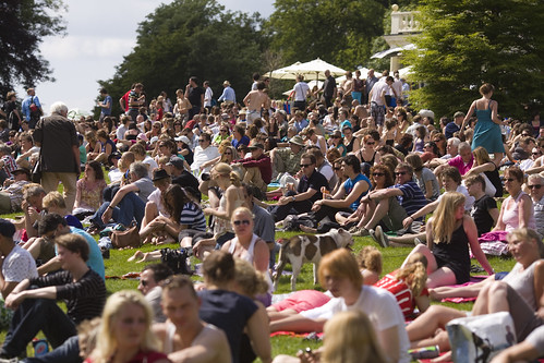 Publiek tijdens het Nationaal Concert in Park Sonsbeek