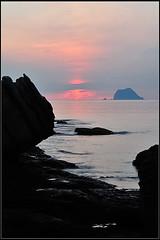 2010-08-14_05-34-16 (Hanks Hung ) Tags: sunrise coast landscapes nikon cosina taiwan mc northern 70300mm startrail f4556 d700