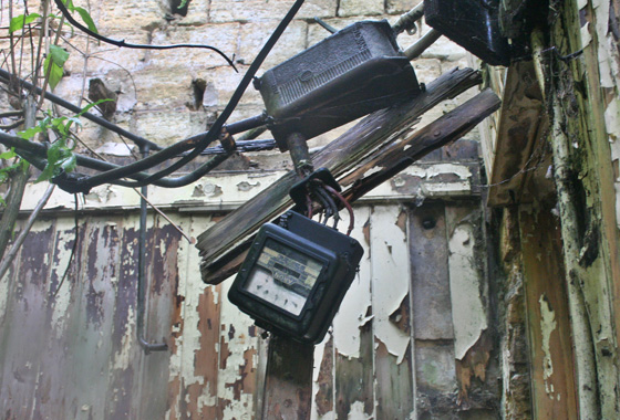 Hanging electric meter