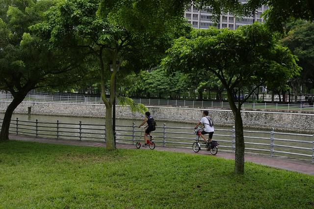riding along Singapore river