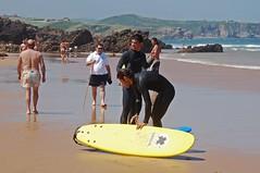 Chicos en la playa 03 (Cazador de imgenes) Tags: parque sea espaa man beach mar spain surf natural playa hombre spanien cantabria spagna spanje 2010 spania spange liencres