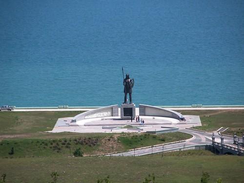 DSCN0078 Monument pour les amazones