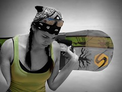 Sandboarding (Carlos Guardado) Tags: chihuahua sexy verde festival de mexico chica carlos arena duna mirada lentes dunas 2010 tabla aventura pauelo sandboard guardado trensas