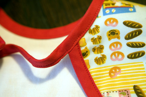 Pipi's Kitchen Bib - Back Detail