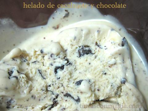 helado de cacahuete y chocolate