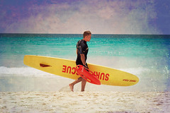 Someone to watch over me (Jaime973) Tags: vacation texture beach canon jellyfish raw lifeguard horseshoebay bermuda hotness manofwar florabella msh0910 surfpatrol msh09108