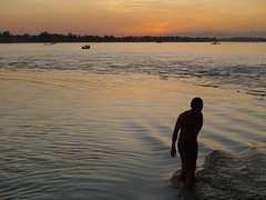Mekong bath (Rich Friend) Tags: travel light water landscape evening cambodia view documentary environment bathing 3s mekong eveninglight waterways waterscape waterlife riverlife sekongriver sekong keepingclean 3sbasin