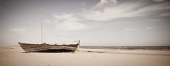 Gestrand op Vlieland... (David vDartel) Tags: beach strand island boot boat vlieland nikon 1750 sail tamron isle tone zand eiland zeilboot davidvandartel