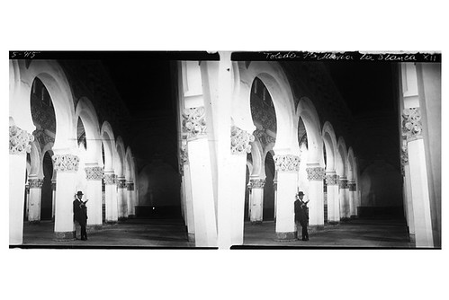 1-07- D. Ribes. Toledo. Interior de Santa María La Blanca. Gelatinobromuro sobre cristal (6 x 13); versión digitalizada. Mayo 1915. Colección Guillot-Ribes.