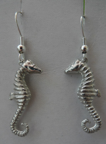 Pewter cast seahorse earrings