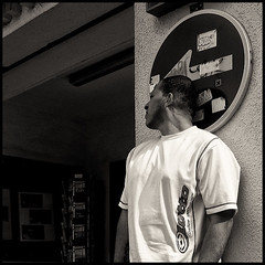 (joanpetrus) Tags: light blackandwhite bw white black 6x6 square lumix mono flickr noiretblanc monotone bn panasonic explore squareformat schwarzweiss blancinegre virado 500x500 bwd bwdreams leicalens incoloro monomania artlibre joanpetrus
