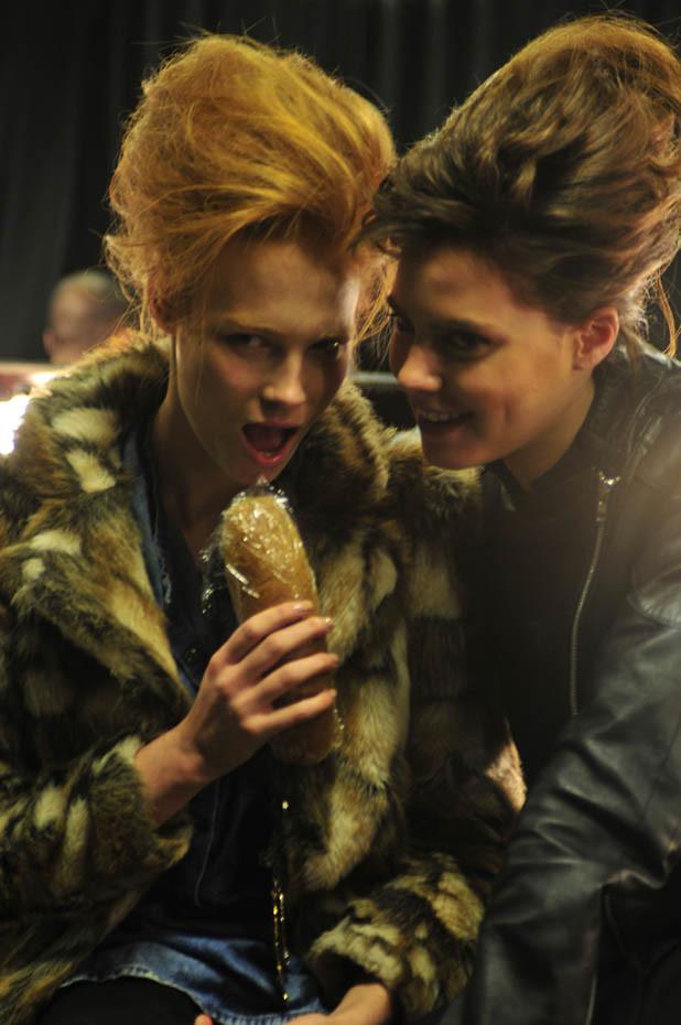 markafoni-Blog-Istanbul-Fashion-Week-2011-Backstage-33