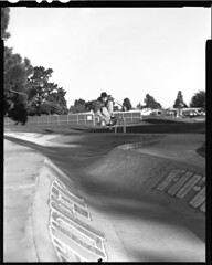 Matt - Frontside Ollie on the bank (loren hamilton) Tags: park santa ca matt locals hamilton delta s f1 ollie mc cruz only 4x5 100 loren schmidt f8 derby frontside sinar 555 1400 sunpak 210mm blackwhitephotos sinaron