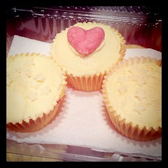 Lemon cupcakes all iced :)
