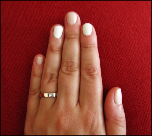 alternate nails