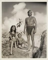 7000-2081 (AliceJapan ʕ •ᴥ•ʔ) Tags: johnny maureen mgm 1941 osullivan weissmuller johnnyweissmuller maureenosullivan tarzanssecrettreasure