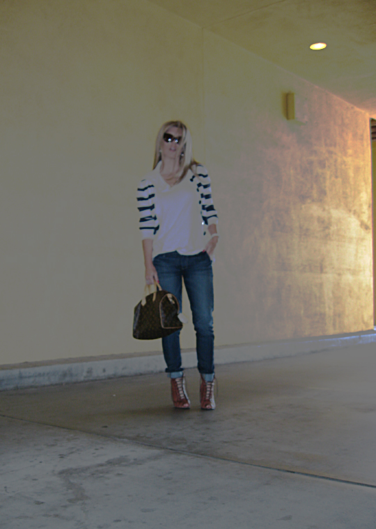 jeans+lace up boots+t shirt+striped cardigan+louis vuitton bag-1