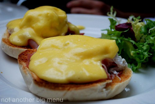 Hoxton Apprentice - Eggs benedict and chips