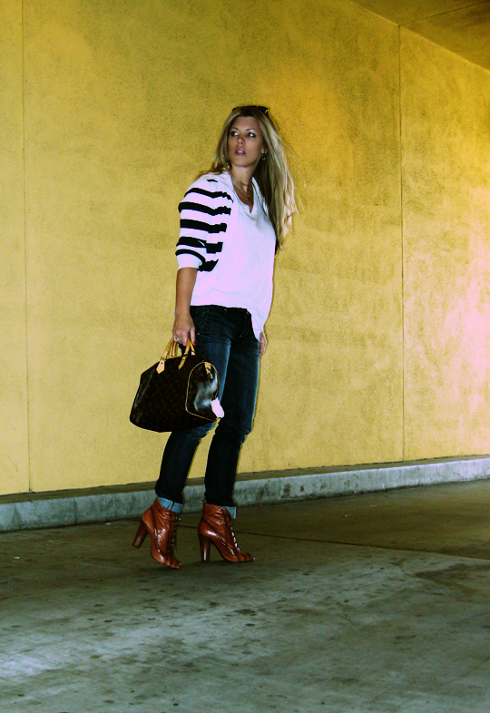 jeans+lace up boots+t shirt+striped cardigan+louis vuitton bag-6