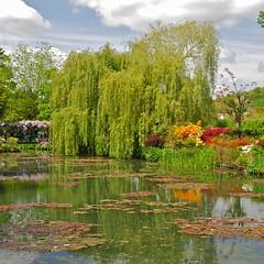 Monets Lily Pond at Monet's Garden (nebulous 1) Tags: flowers france nikon monet japanesebridge impressionist giverny claudemonet lilypond impressionists monetsgarden nebulous1