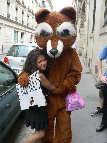 Free hugs Firefox in Paris