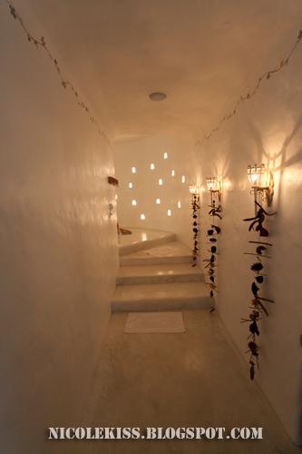 barbados toilet corridor