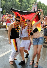 IMG_2485 (2) (SpreePiX - Berlin) Tags: party portrait people berlin argentina sport canon germany deutschland football fussball faces soccer wm menschen fans fifaworldcup feier fanfest argentinien fanmeile fussballfans deutschlandfans deutschlandvsargentinien fanmeileberlin wm2010 deutschlandgegenargentinien fifafanfestberlin canon7d spreepix spreepixmedia fotosfanmeile fanmeileinberlin bilderfanmeileberlin fotosfanmeileberlin fifawmsouthafrica fanmeileberlin2010 picturefanmeileberlin fanmei