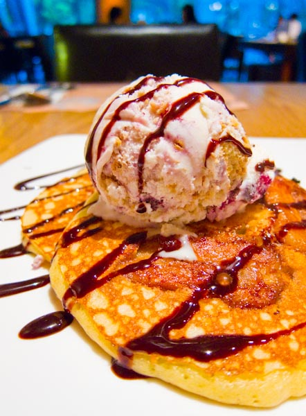 Caramelised Banana Pancake with Blueberry Cheesecake Ice Cream