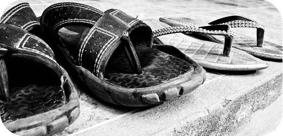 sandals round