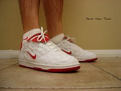 WDYWT 7/11/10 (Never Wear Them) Tags: world red espaa white cup spain shoes soccer nike footbol campu