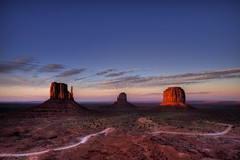 Monument Valley (Albert78000) Tags: light sunset red sky color colour monument rock clouds nikon desert dusk reserve valley d200 navajo reservation sigma1020 lpdesert albert92 lpdeserts