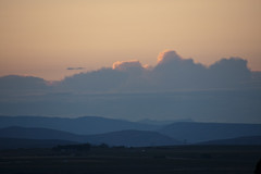 Columbia River Basin (ePut) Tags: pink sunset sky usa cloud mountains nature silhouette horizontal clouds outdoors photography washington nopeople scenics colorimage beautyinnature canoneos40d