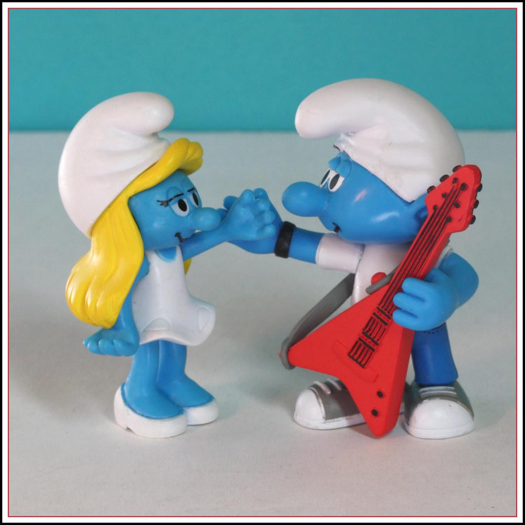Blue Dog Guitar Toy