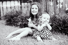 www.lockedillusionsphoto.com (lockedillusionz) Tags: park family girls summer bw baby white black children outdoors photography photo toddler brittany shoot child sam tx houston siblings session illusions locked friendswood bentine