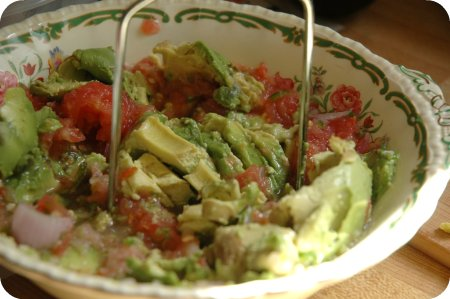 guacamole recipe - the mashing stage