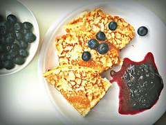 Pancakes, blueberries.