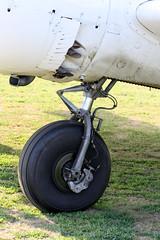 Landing gear on a 1955 BEECH E18S - Twin Beech N3710B (John. Romero) Tags: mountain 1955 skydiving airport model twin 18 beechcraft ems skyhaven beech endless tunkhannock e18s n3710b